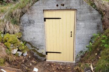 Ny dörr till jordkällare